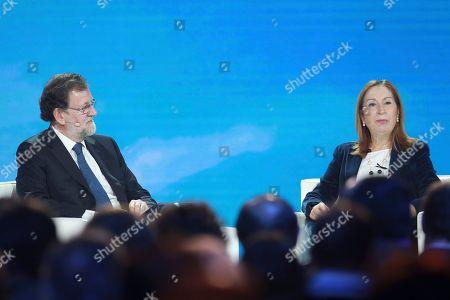 Mariano Rajoy (L); Spanish Deputy Congress President Ana Pastor Garcia