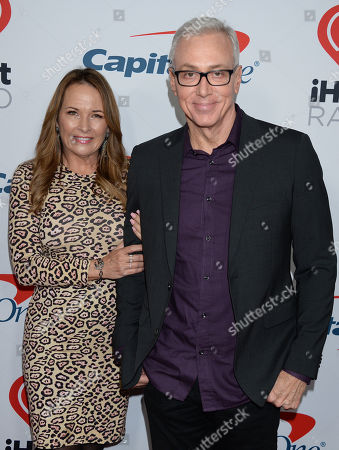 Stock Photo of Dr Drew Pinsky and wife Susan Pinsky