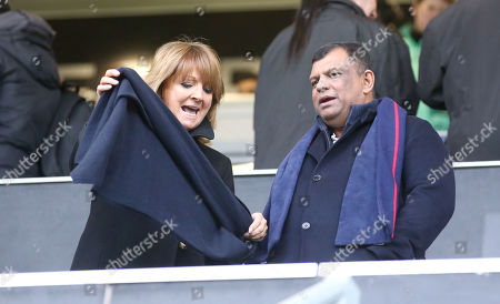 Tony Fernandes (right)