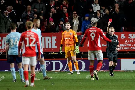 Referee John Busby shows a red card to Charlton's Lyle Taylor during Charlton Athletic vs Accrington Stanley, Sky Bet EFL League 1 Football at The Valley on 19th January 2019