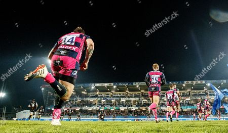 Castres Olympique vs Gloucester. Gloucester's Matt Banahan takes to the field