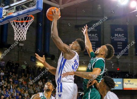 Buffalo Bulls forward Nick Perkins (33) goes up for two of his 21 points during the first half of play in the NCAA Basketball game between the Eastern Michigan Eagles and Buffalo Bulls at Alumni Arena in Amherst, N.Y. (Nicholas T. LoVerde/UB Athletics)