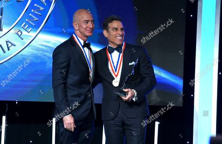 Kenn Ricci, Principal of Directional Aviation, presented the Kenn Ricci Lifetime Aviation Entrepreneur Award to Jeff Bezos, founder and CEO of Amazon and founder of space exploration innovator Blue Origin at the Living Legends of Aviation ceremony at the Beverly Hilton, in Beverly Hills, Calif
