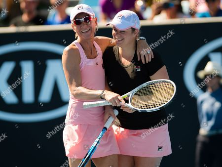 Kim Clijsters and Rennae Stubbs play Legends Doubles