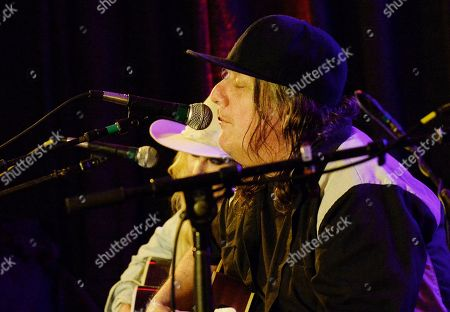 Stock Photo of Elizabeth Cook, Kevn Kinney (Drinin N Cryin)