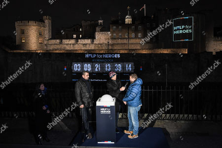 Matt Dawson with veterans Andrew Taylor and Mark Beckham launch the projection.