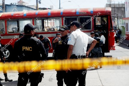 Homemade grenade explodes on bus, Guatemala City