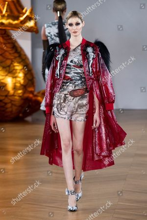 On aura tout vu show, Haute Couture Fashion Week, Paris