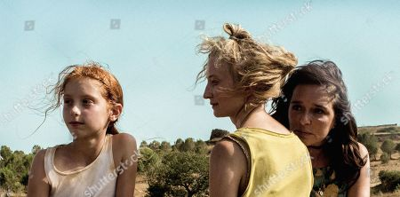Sara Casu as Vittoria, Alba Rohrwacher as Angelica and Valeria Golino as Tina