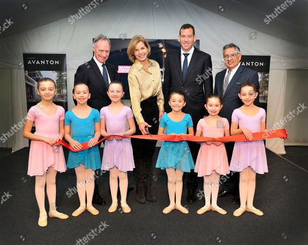 Dame Darcey Bussell, President of the Royal Academy of Dance, was joined by (from left-right) Luke Rittner, Chief Executive of the Royal Academy of Dance, Omer Weinberger, Managing Partner of Avanton, Cllr Ravi Govindia, Leader of Wandsworth Council, and dance students today to mark the first milestone in the milestone in the development of the new Royal Academy of Dance headquarters at Avanton: Battersea