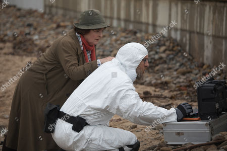 Brenda Blethyn as DCI Vera Stanhope and Paul Kaye as Malcolm Donahue.
