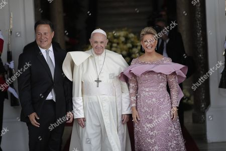 Pope Francis (C) is received by Panama's President Juan Carlos Varela (L) and the first lady Lorena Castillo Garcia (R) at his arrival to the Las Garzas Palace in Panama City, Panama, 24 January 2019. The pontiff is in Panama on the occasion of the World Youth Day (WYD), one of the main events of the Church that gathers the Pope with youngsters from around the world.