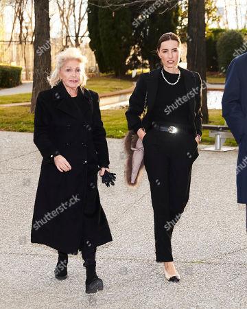 Beatriz de Orleans (L) and Monica de Tomas