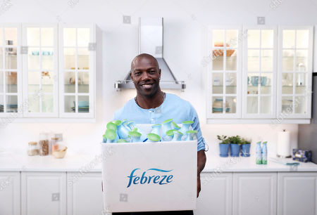 IMAGE DISTRIBUTED FOR FEBREZE - Pro Football Hall of Famer Terrell Owens on set while shooting a scene for Febreze's Super Bowl campaign on Jan. 21 in Los Angeles. This Super Bowl season, Owens is setting out to ensure that the millions of Americans hosting Super Bowl parties are prepared with the ultimate odor-eliminating Game Day party essential - Febreze! Folks can visit youtube.com/febreze to see content featuring Owens and to learn why #PartyPrepWithFebreze is a must