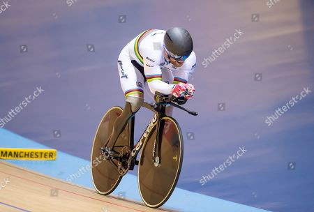 Jody Cundy on his way to silver in the mixed para time trial.