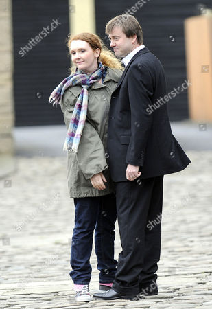 Fiz  played by Jennie McAlpine and John played by Graham Hawley.