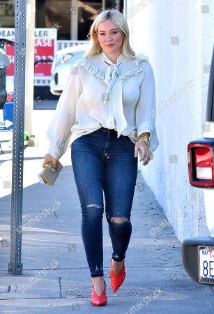 Hilary Duff Pussy Pics