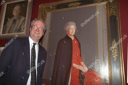 Royal Society Of Portrait Painters Unveils New Portrait Of The Queen By Artist Robert Wraith Who Did Not Attend Opening. Opened By Chris Smith (now Baron Smith Of Finsbury) Secretary Of State For Culture. Lord Smith