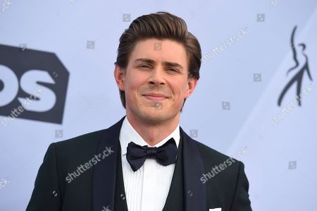 Chris Lowell arrives at the 25th annual Screen Actors Guild Awards at the Shrine Auditorium & Expo Hall, in Los Angeles
