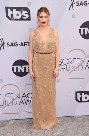 Sofia Hublitz arrives at the 25th annual Screen Actors Guild Awards at the Shrine Auditorium & Expo Hall, in Los Angeles