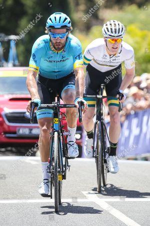 Laurens De Vreese (Astana Pro Team) leads Nathan ELLIOTT (AUS) (CYCLING-KORDAMENTHA)