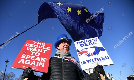 A pro EU campaigner outside parliament in London, Britain, 28 January 2019. On 29 January British Parliament will vote on British Prime Minister Theresa May's Plan B for Brexit and discuss the next steps proposed by May and alternative plans by MEPs, including plans to delay Britain's exit on 29 March 2019 by requesting an extension of the two-year negotiation period for Article 50.