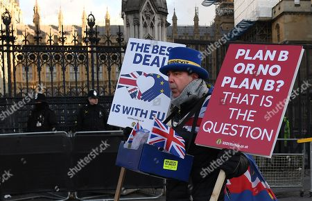 A pro EU campaigner outside parliament in London, Britain, 28 January 2019. The House of Commons is set to vote on British Prime Minister Theresa May's Plan B for Brexit to parliament on 29 January.