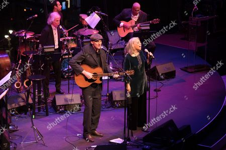 Stock Image of James Taylor and Patti Austin