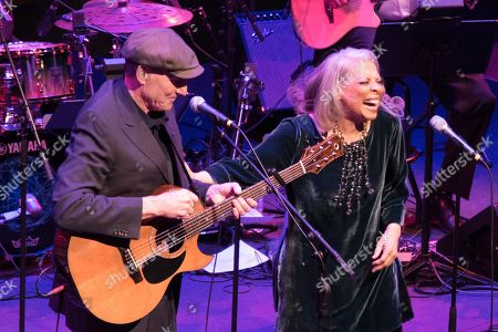 Stock Picture of James Taylor and Patti Austin