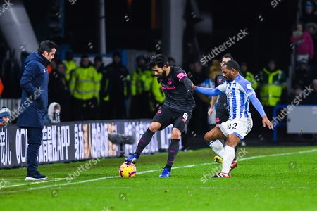 Marco Silva of Everton (Manager) watches on as Andre Gomes of Everton (8) holds the ball away from Jason Puncheon of Huddersfield Town (42) during the Premier League match between Huddersfield Town and Everton at the John Smiths Stadium, Huddersfield