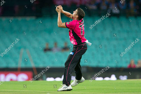 Sydney Sixers player Sean Abbott takes a catch
