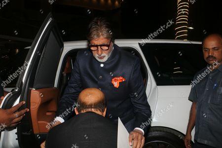 Lyricist Sameer Anjaan welcomes Bollywood actor Amitabh Bachchan