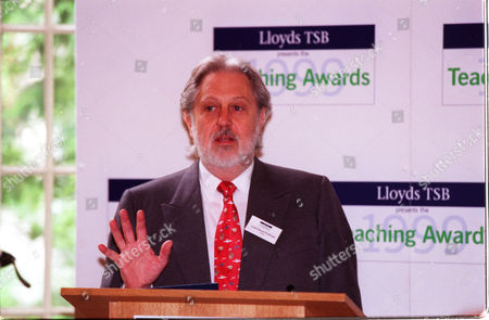 The 1999 Teaching Awards Presented By Lloyds Tsb Lord David Puttnam Chairman Of The Teaching Awards Trust. (now Baron Puttnam Of Queensgate)