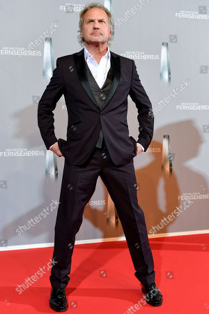 Uwe Ochsenknecht arrives for the prize-giving ceremony of the 20th German Television Award in Duesseldorf, Germany 31 January 2019. The Deutscher Fernsehpreis is awarded for television programming by four German TV channels annually.