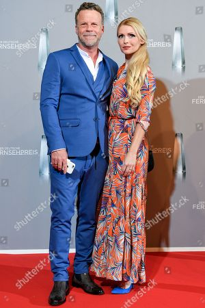 Jenke von Wilmsdorff and his wife Mia von Wilmsdorff arrives for the prize-giving ceremony of the 20th German Television Award in Duesseldorf, Germany 31 January 2019. The Deutscher Fernsehpreis is awarded for television programming by four German TV channels annually.