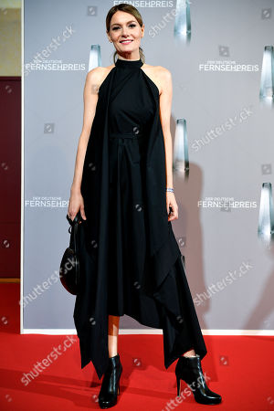 Martina Hill arrives for the prize-giving ceremony of the 20th German Television Award in Duesseldorf, Germany 31 January 2019. The Deutscher Fernsehpreis is awarded for television programming by four German TV channels annually.