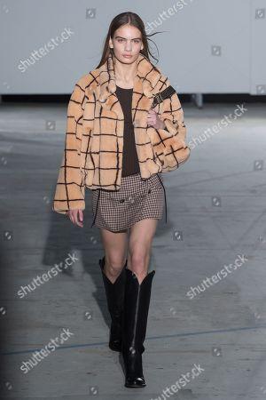 Nina Marker on the catwalk