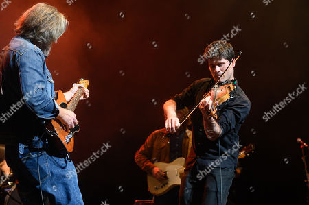 Ethan Johns With The Black Eyed Dogs, with Seth Lakeman on violin.