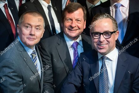 IAG CEO Willie Walsh (L), Oneworld CEO Rob Gurney (C) and Qantas CEO Alan Joyce (R)   pose during a press conference in London, Britain, 01 February 2019. The press conference with the chief executives of the airlines from Oneworld Alliance was organized to mark the 20th anniversary of the alliance. Oneworld is an alliance of airlines that has carried almost seven billion people since launch and includes British Airways, Iberia, American Airlines, Cathay Pacific, Japan Airlines, Qantas, Qatar Airways among others.