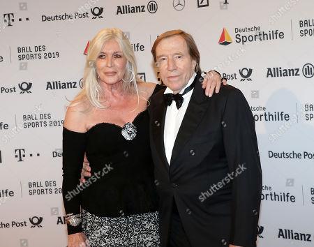 02.02.2018, RMCC, Wiesbaden, 49. Ball des Sports 2019 Stiftung German Sporthilfe RMCC ,  GUENTER NETZER and wife ELVIRA