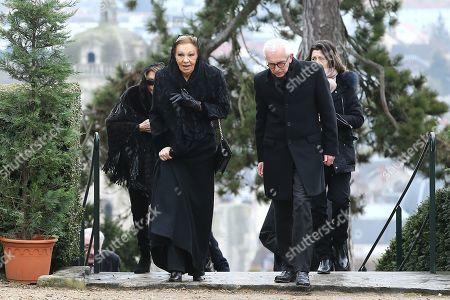 Empress Farah Pahlavi at the ceremony