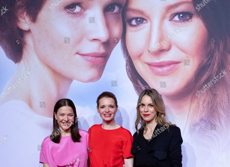 "Hannah Herzsprung, Karoline Herfurth and Anneke Kim Sarnau pose at the red carpet during the world premiere of the movie ""Sweethearts"" at the Zoo Palast in Berlin, Germany, 04 February 2019. The German film will be released on 14 February."