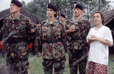 'Soldier Soldier'   TV  Series 1991-1997 Jerome Flynn, Lesley Vickerage, Gary Love and Annabelle Aspion