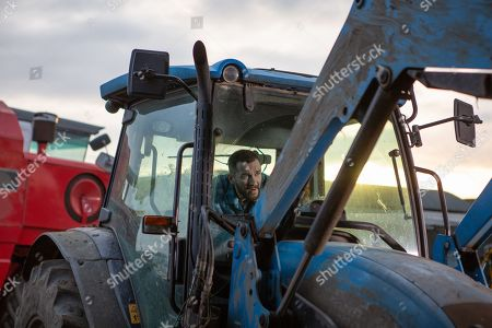 Ep 8399 Thursday 21st February 2019 - 1st Ep When Pete Barton, as played by Anthony Quinlan, finally arrives to work at the farm, Matty Barton's too caught up in moaning about Cain to pass on his warnings about the dodgy tractor. Now covering Vanessa's shift, Rhona Goskirk also arrives at the farm to check the cows. Unable to find them, Rhona phones Pete from the barn. Distracted by his ringing phone, Pete is horrified when the tractor he's driving brakes fail, and swerves into the barn. As the tractor crashes through, Rhona inside is knocked to the ground, lying unconscious and bleeding on the floor.
