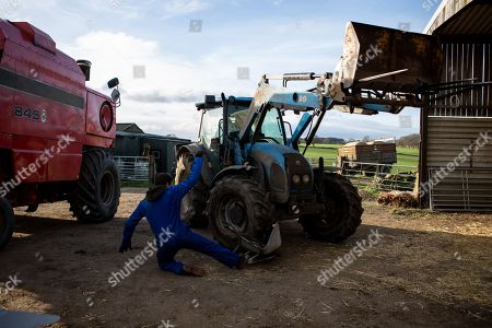 Ep 8399 Thursday 21st February 2019 - 1st Ep When Pete Barton, as played by Anthony Quinlan, finally arrives to work at the farm, Matty Barton's, as played by Ash Palmisciano, too caught up in moaning about Cain to pass on his warnings about the dodgy tractor. Now covering Vanessa's shift, Rhona Goskirk also arrives at the farm to check the cows. Unable to find them, Rhona phones Pete from the barn. Distracted by his ringing phone, Pete is horrified when the tractor he's driving brakes fail, and swerves into the barn. As the tractor crashes through, Rhona inside is knocked to the ground, lying unconscious and bleeding on the floor.