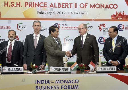 Union Commerce and Industry Minister Suresh Prabhu and King Albert II IIwith other delegates