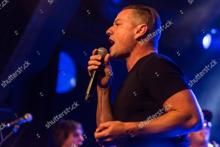 Whitfield Crane, singer of the US-American hard rock band Ugly Kid Joe live at Schueuer Luzern, Switzerland