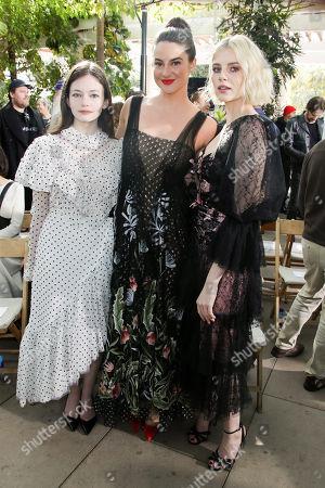 Mackenzie Foy, Shailene Woodley and Lucy Boynton in the front row