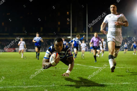 Semesa Rokoduguni of Bath Rugby dives for the try-line in the first half