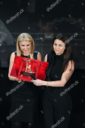 Daughters of Pino Daniele Cristina and Sara Daniele, during the Carreer Prize in memory of Pino Daniele